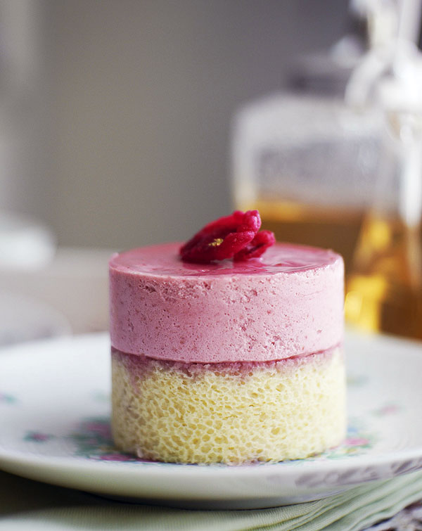 Hidemi Sugino Fruits Rouge mousse cake