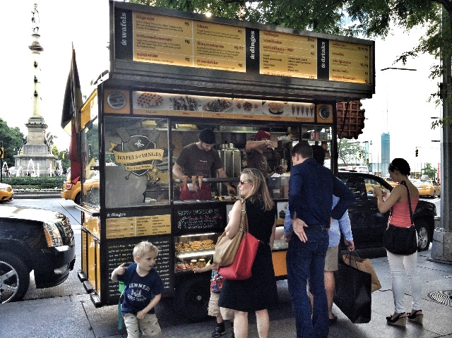 Wafels & Dinges - Belgian waffles food truck in New York City
