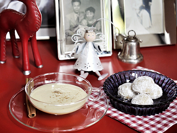 eggnog and mexican wedding cookies