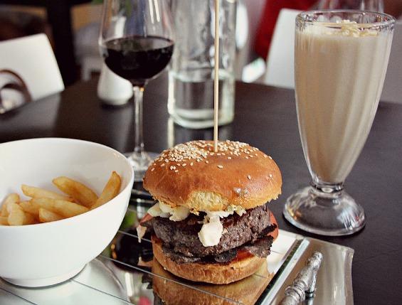 Benjamin Franklin Burger Platter
