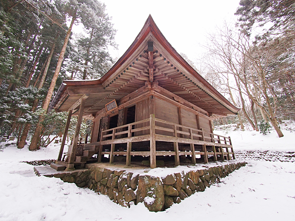 One of many beautiful small temples in Hiraizumi