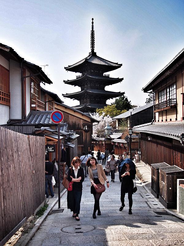 kyoto-kids-kiyomizudera-1