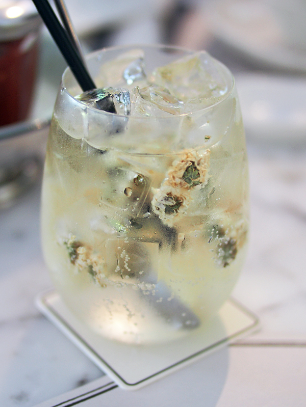 chopsuey-white-sangria