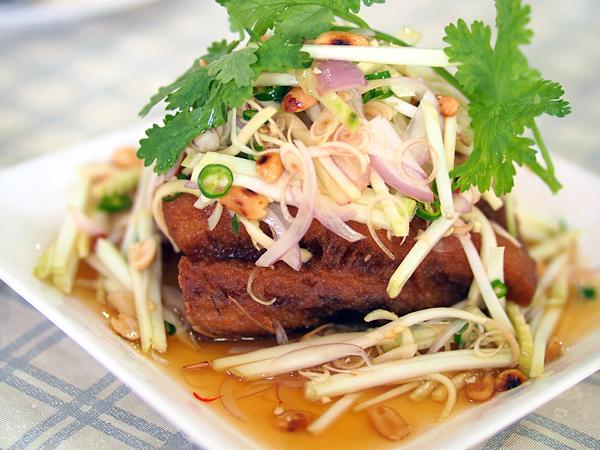 krua-apsorn-kingfish-salad