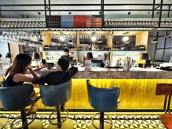 jamies-italian-bar
