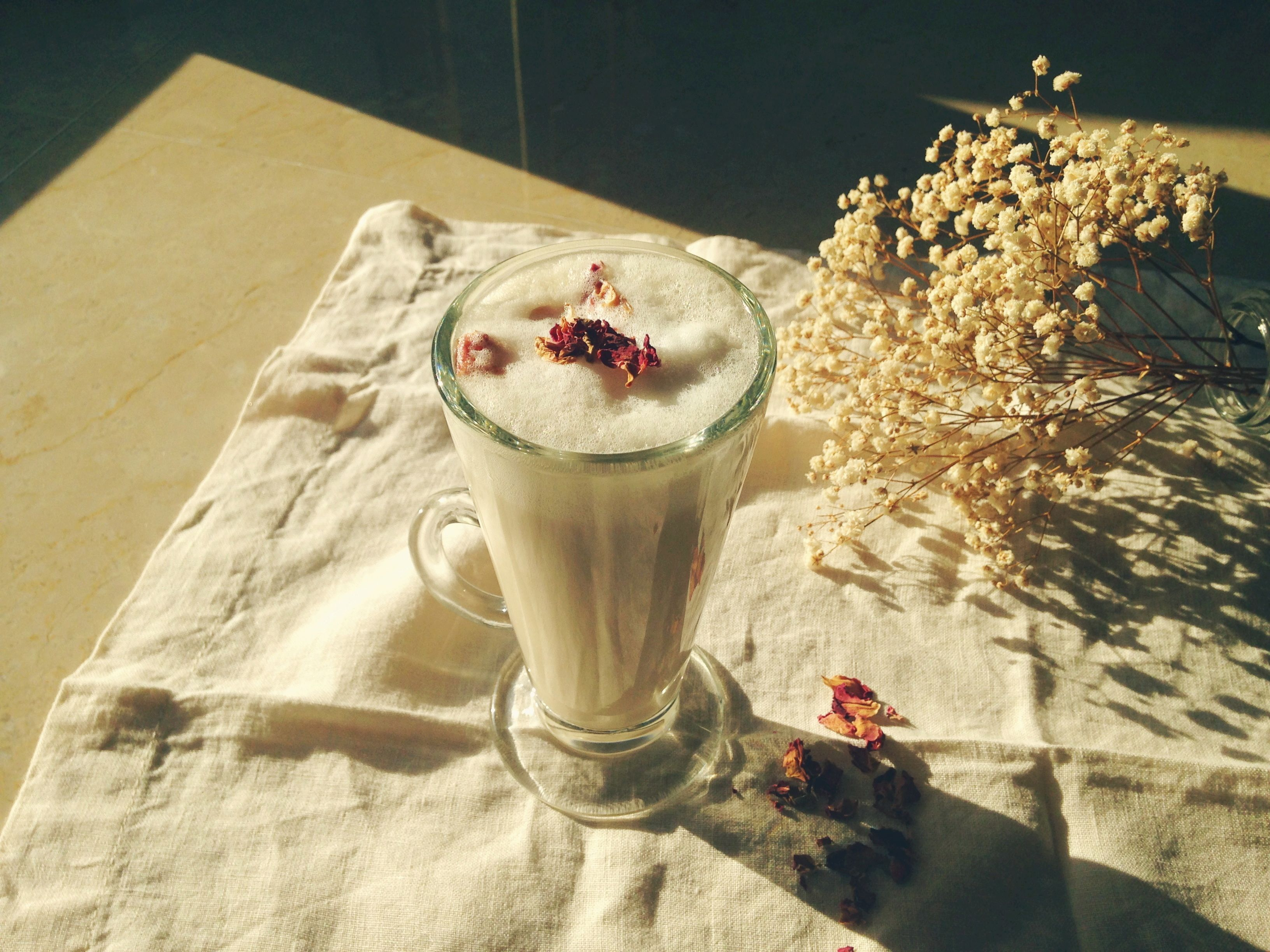 Rose Earl Grey Latte