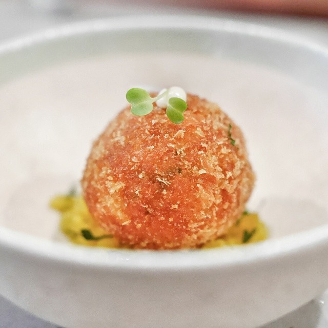 Course #2 from the new Wild Rocket tasting menu. Crab ball with salted duck egg yolk. Yummy. Great start by @willcookwilleat. #sgfood #foodie #foodporn #foodphotography #sgeats #singapore #restaurant #singaporerestaurants #wildrocketsg #crab #saltedeggyolk #modsin
