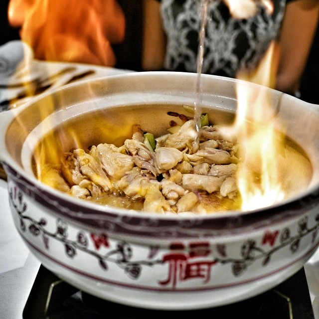 The luxury steamboat degustation at Man Fu Yuan kicks off with the making of the stock in which the food is cooked. Chinese herbs and chicken are flambéed by your personal chef to create the flavor base of the stock. #sgfood #foodie #foodporn #sgrestaurants #singaporerestaurants #singapore #restaurant #sgeats #foodphotography #manfuyuan #interconsin