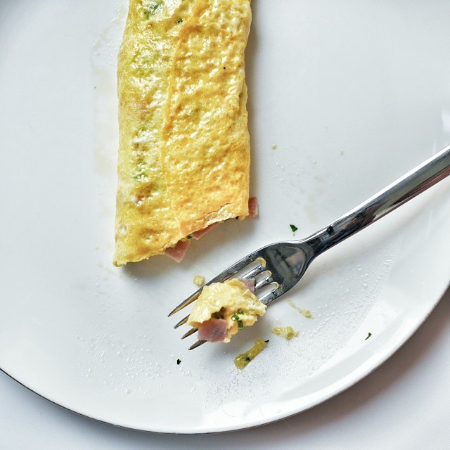 Cheese, ham and spinach omelet. Simple start. #sgfood #foodie #foodporn #homecooking #breakfast #sgeats #foodphotography #eggs