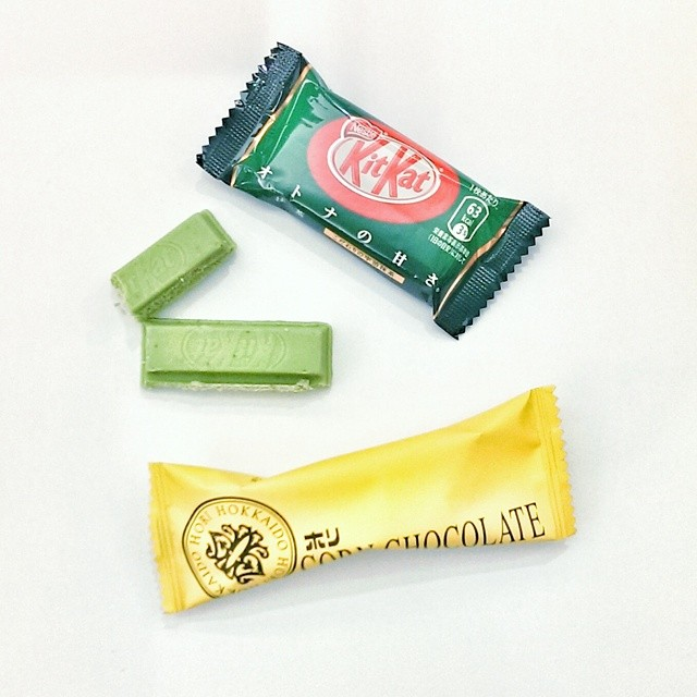 Post-lunch candy fuel to get me through the afternoon. I so prefer Japanese snacks or Japanese versions of classic candies. #greentea #kitkat #candy #japanesefood #japanesesnacks #fuel #sugarhigh