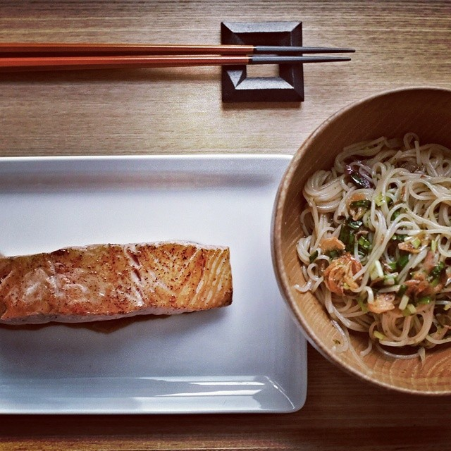 Super quick and simple dinner. Salmon with light teriyaki sauce. Somen with fresh herbs and a scallion oil and soy sauce dressing. #sgfood #foodie #foodporn #homecooking #dinner #sgeats #foodphotography #somen #salmon #simplefood #quickandeasy