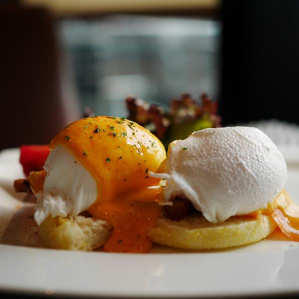 Gate-Eggs-Benny