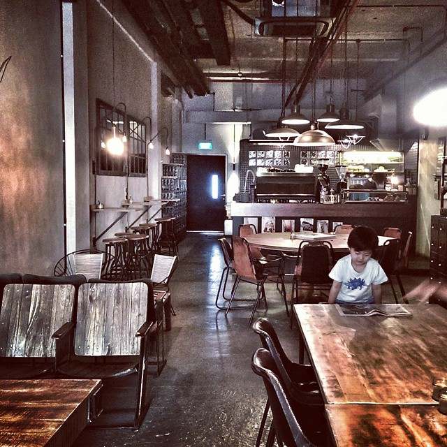 Calm before the storm. First customers at #ronin_sg today. Nice to have some quiet time. Early morning brekkie. Toddler, as usual, is having a croissant and apple juice. #sgfood #foodie #sgeats #sgcafe #goodmorning #breakfast #brekkie #earlyworm