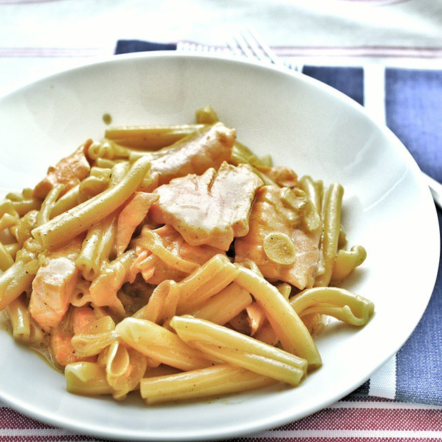Pasta with salmon in a light curry cream sauce with onions and sliced garlic. Had to ferry the little one home from nursery school so made myself a fast lunch at home. #sgfood #foodie #foodporn #homecooking #lunch #realfastfood #onthetable #whati8today #instafood #foodstagram #yummy #delicious #pasta #curry #salmon #seafoodpasta