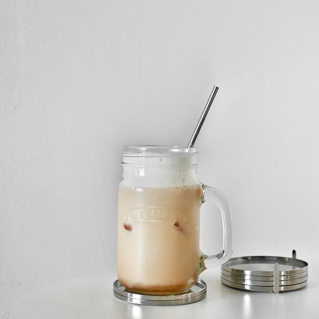 I start every day with an iced coffee. Use a Hario cold brew dripper to make the coffee and a Nespresso milk foamer for the perfect milk and foam. Both gifts from the #superwife. Love that I start every morning with touch points from my #hunnybunny. #icedcoffee #hario #nespresso #coffeepassion #coffee #coldbrew #coffeegram #coffeeoclock #goodmorning #igsg