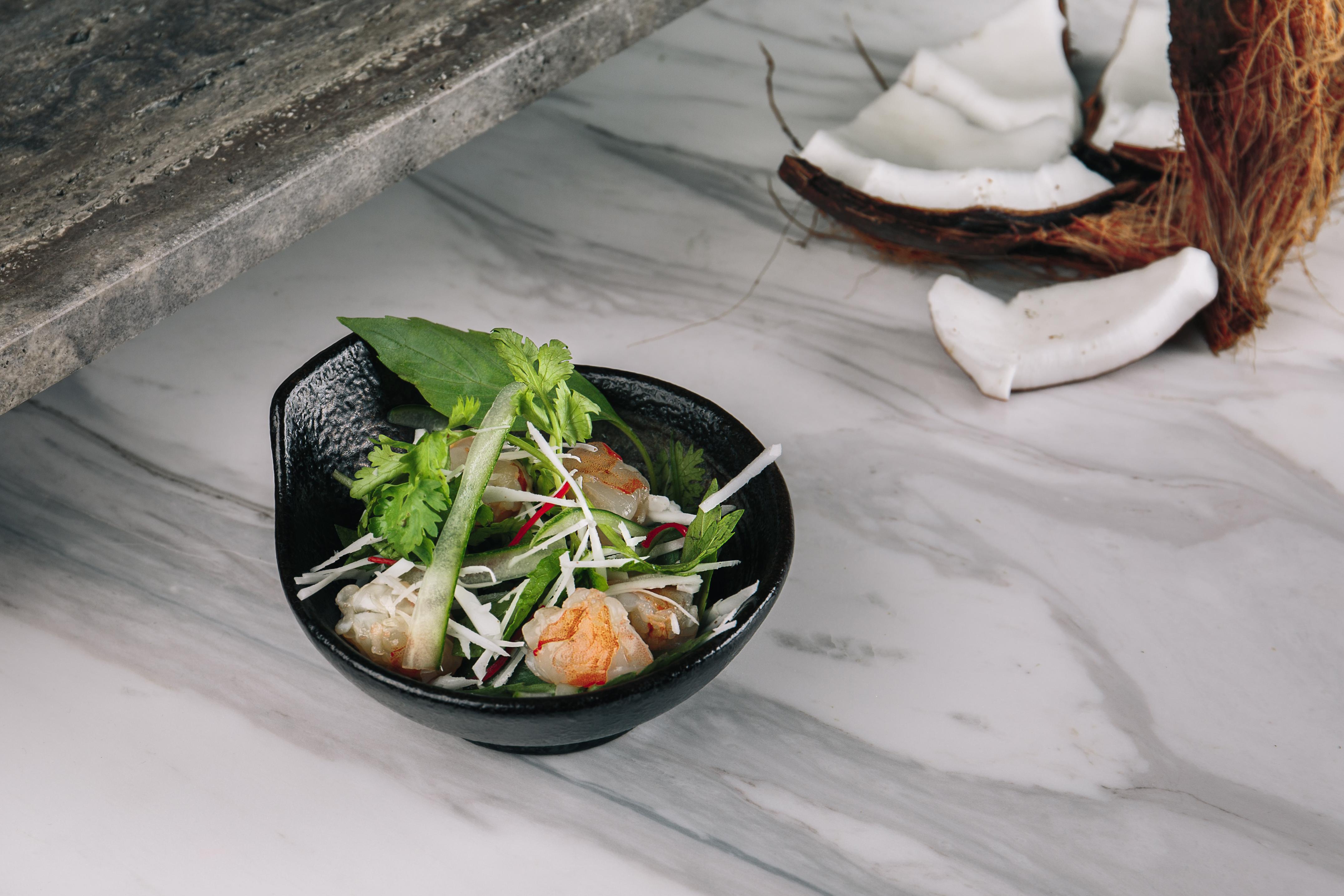 coriander leaf prawn salad