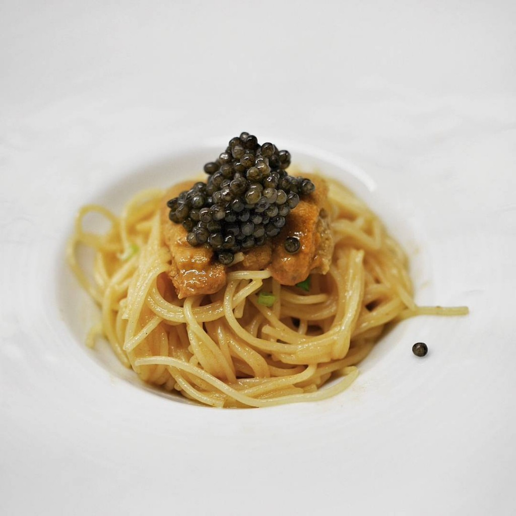 Served this to friends last night. Used an Eric Ripert Le Bernadin recipe. Angel hair pasta tossed in a rich uni butter sauce. Topped with Russian caviar. Uni from @Zairyosg of course. #entertaining #uni #seaurchin #uniporn #unipasta #zairyosg #pasta #foodstagram #truecooks #homecooking #instafood #caviar #luxury #indulge #gastroart #plateswagger #delicious #igsg #sgeats #sgfood