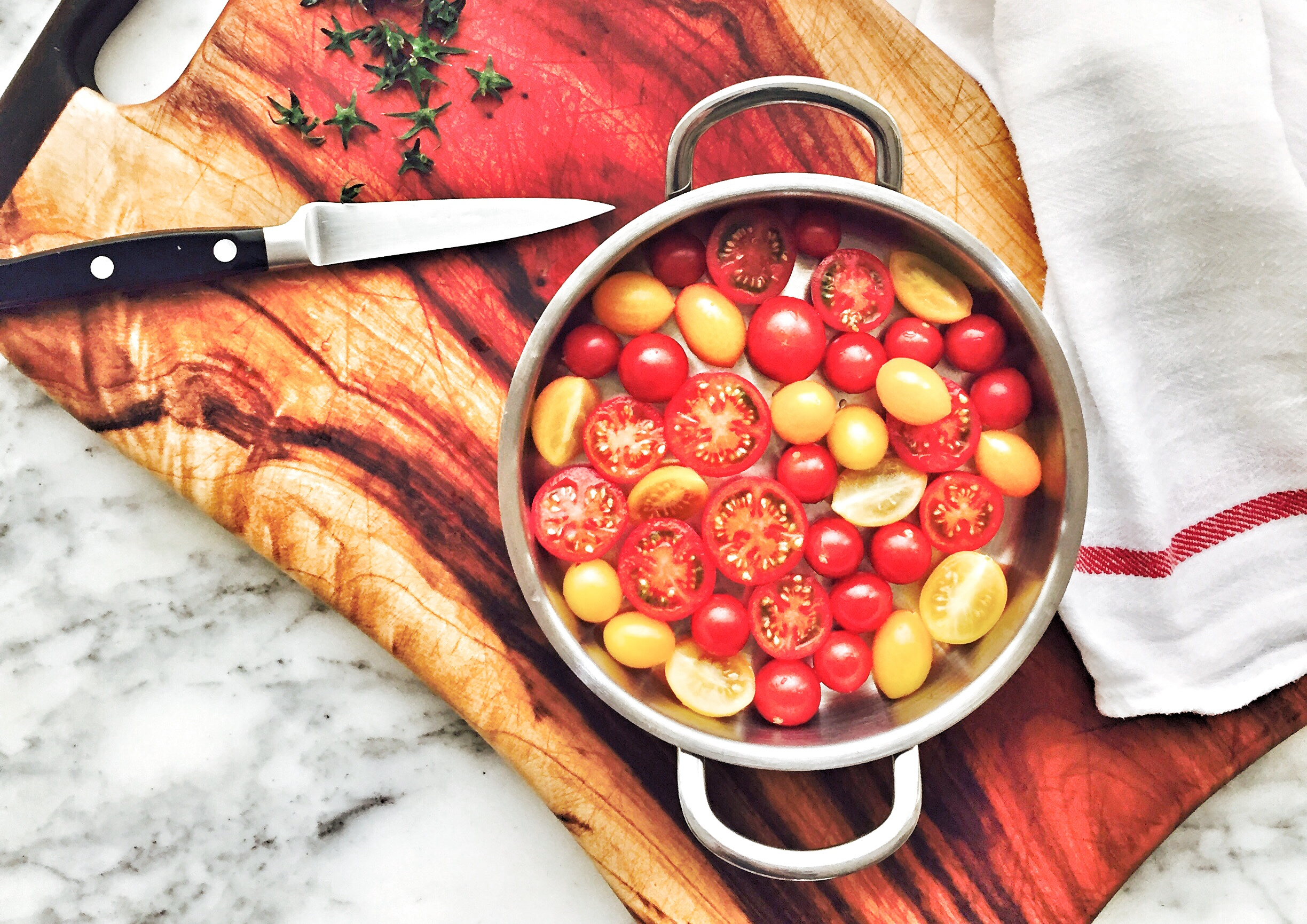 Semi-roasted fruit tomatoes.