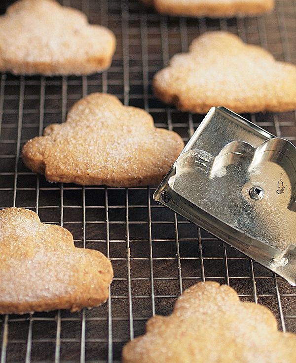 cloud cookie cutter and shortbread